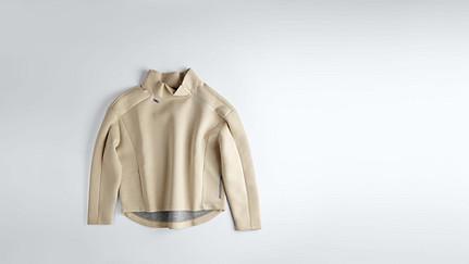 SUNA V1.Y0.02 Oversized Sweater offwhite Back Alpha Tauri