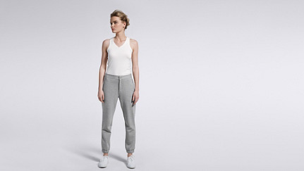 PRIS V1.Y0.02 Luxuriöse Sweatpants grey Haupt Vorne Alpha Tauri