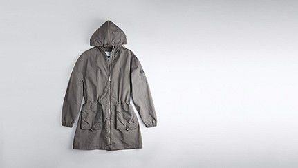OLJA V1.Y1.01 Lightweight Parka grey Back Alpha Tauri