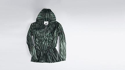 OBRA V1.Y1.01 Leichte Regenjacke camouflage Hinten Alpha Tauri