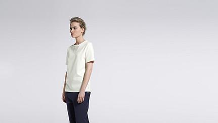 JOKA V1.Y1.01 Kurzärmliges T-Shirt white Haupt Vorne Alpha Tauri