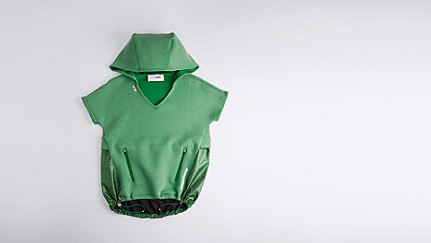 SUYI V1.Y1.01 Short Sleeved Sweathoodie green Back Alpha Tauri