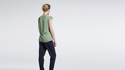 JAMA V1.Y1.01 Crop-sleeved T-shirt green / other Front Alpha Tauri