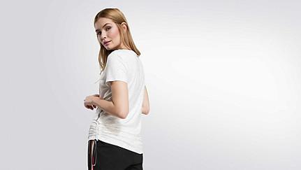 JOMA V1.Y1.02 Adjustable T-shirt 33 offwhite melange Front Alpha Tauri