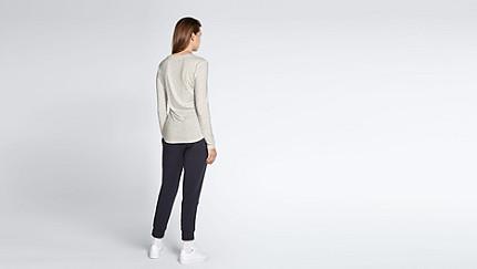 JYNN V1.Y1.02 Long-Sleeved T-shirt 33 offwhite melange Front Main Alpha Tauri