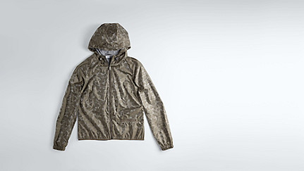 OCHI V1.Y1.02 Packable Hooded Jacket camouflage Left Alpha Tauri