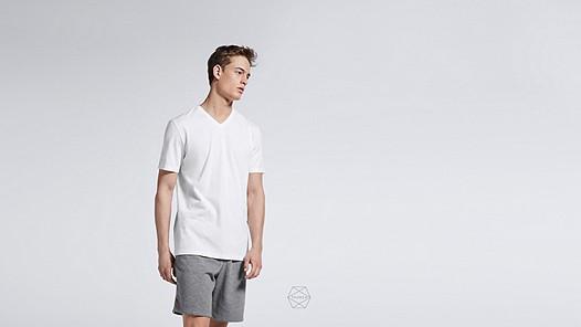 BUCK Taurex® T-Shirt mit V-Ausschnitt white Model Foto Alpha Tauri