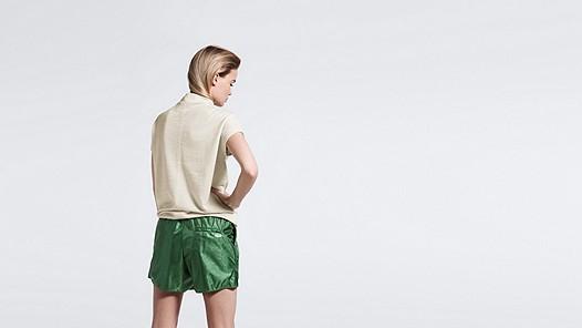 FAMA V1.Y0.02 Crop-sleeved Wool Sweatshirt offwhite Model shot Alpha Tauri