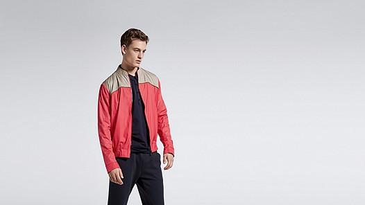 OLEX V1.Y1.01 Sporty Jacket red / other Model shot Alpha Tauri