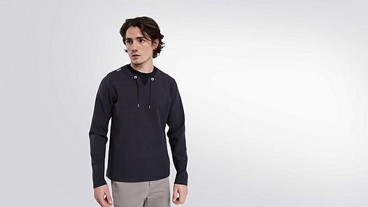 SARO V1.Y1.01 Sweatshirt with Collar Detail navy Model shot Alpha Tauri