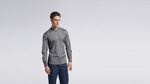 WADE V1.Y1.01 Sportive Shirt grey Model shot Alpha Tauri