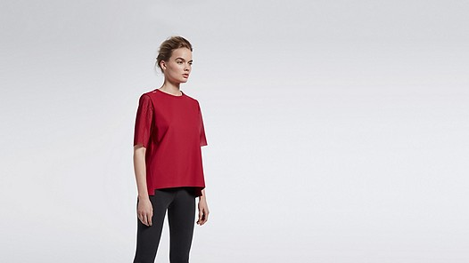 JAYA V1.Y1.01 Perforated Sweatshirt red Model shot Alpha Tauri
