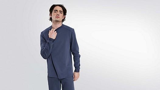SAUL V1.Y2.01 Taurex® sweater blue Model shot Alpha Tauri