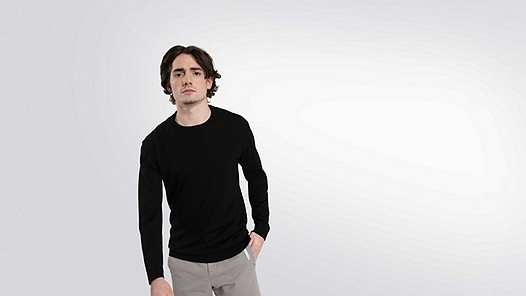 FURA V1.Y2.01 Water-repellent Merino sweater black Model shot Alpha Tauri