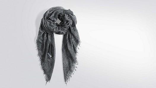 AKIR V1.Y2.01 Leichtes Tuch medium grey Hinten Alpha Tauri