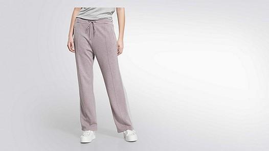 PICA V1.Y2.01 Wide sweat pants rose Model shot Alpha Tauri