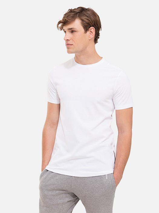 BARU Round Neck Taurex® T-Shirt white Model shot Alpha Tauri
