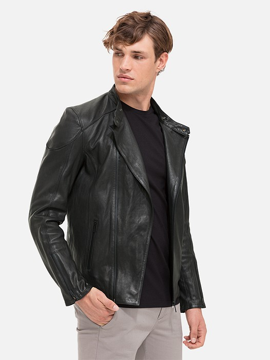 LOKI V1.Y2.01 Leather Biker Jacket black Model shot Alpha Tauri