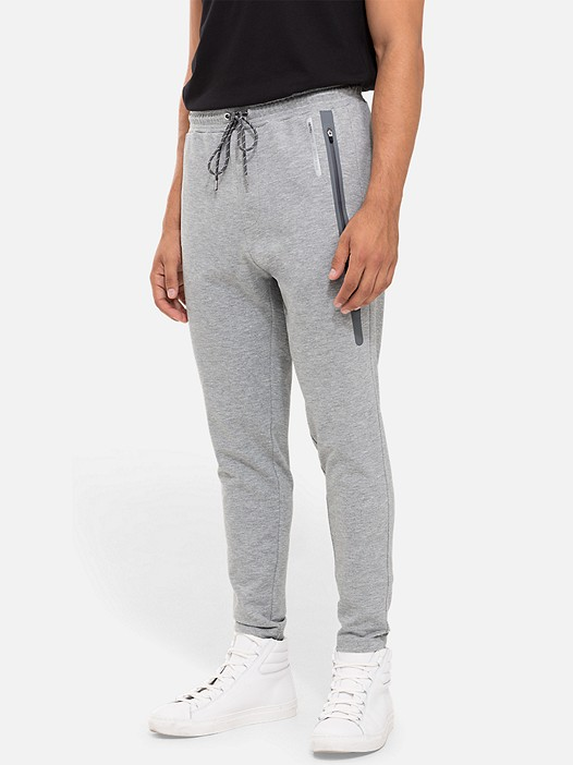 PRYK V2.Y2.01 Technical Sweatpants grey / melange Model shot Alpha Tauri
