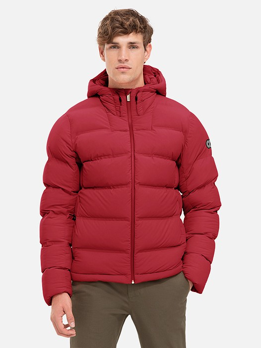 OTOC V1.Y2.02 Quilted Primaloft® Jacket red / other Model shot Alpha Tauri