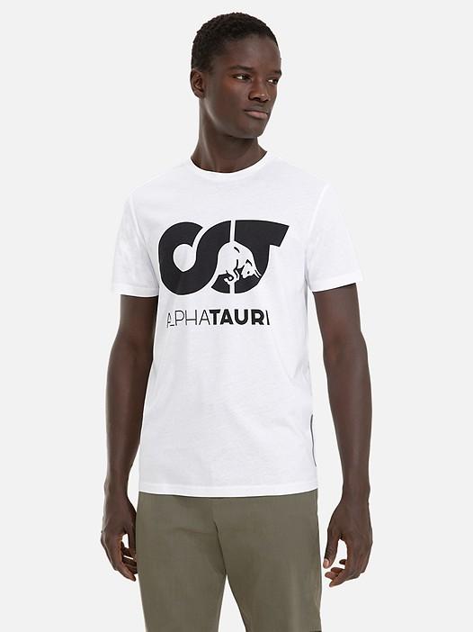 BARUH Herobranding Taurex® T-Shirt white Model shot Alpha Tauri