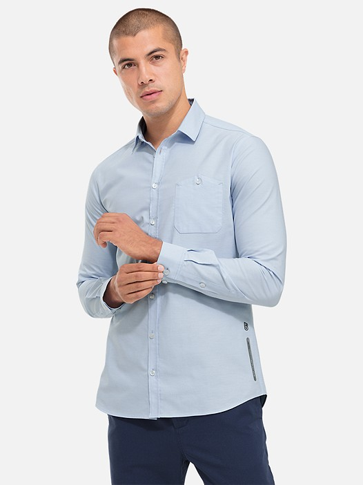 WIDT V5.Y2.02 Casual City Shirt blue Model shot Alpha Tauri