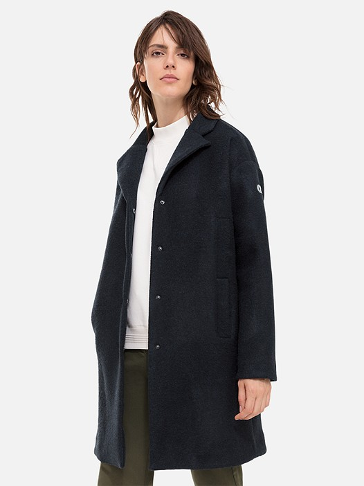 OKKA V1.Y2.02 Woolen Coat with Jersey Lining navy Model shot Alpha Tauri