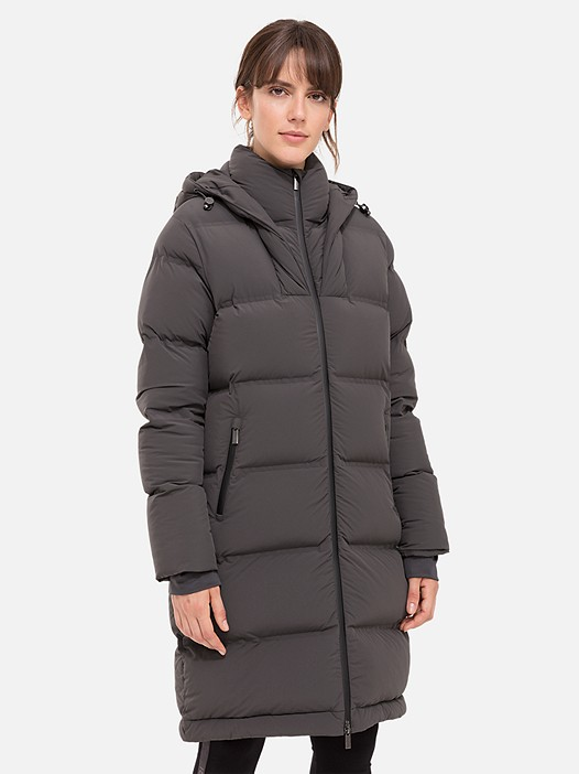 OVES V1.Y2.02 Long Primaloft® Coat dark grey Model shot Alpha Tauri