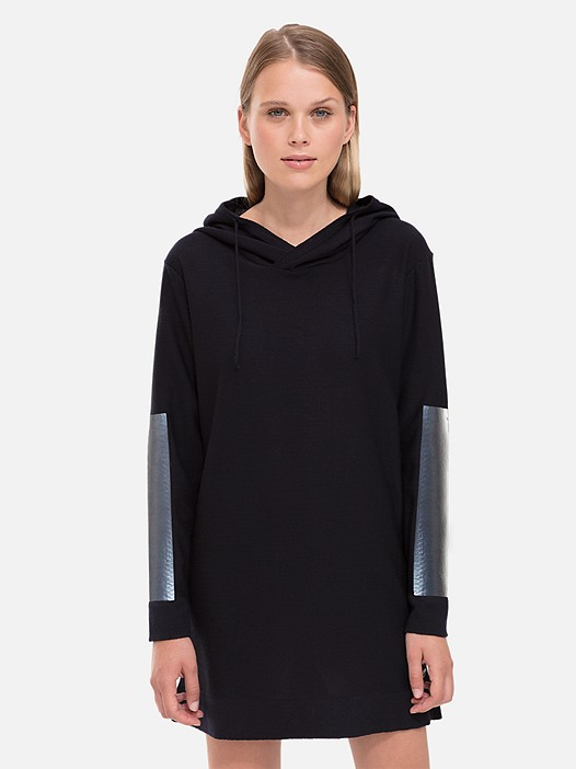 FIVE V1.Y2.02 Knitted Dress with Logo Detail black Model shot Alpha Tauri