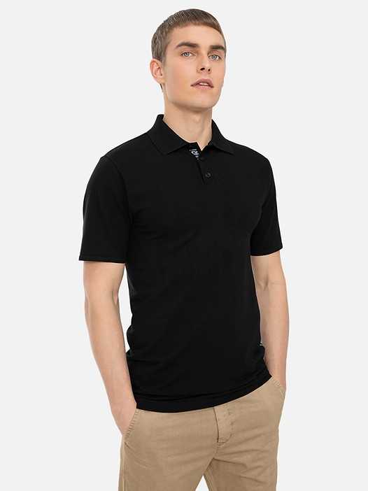 FILAV V1.Y3.01 Technical Circular-Knit Polo Shirt black Model shot Alpha Tauri