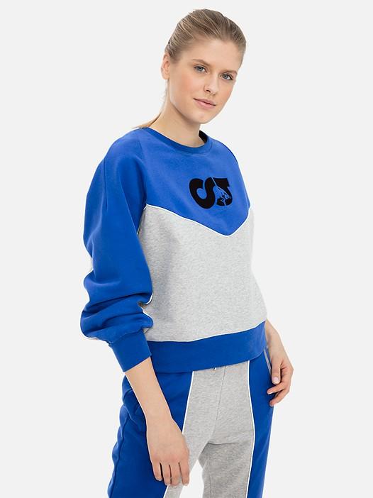 SHIKK V1.Y3.01 Colour-Block Sweater mit Taurex® Technologie blue / grey Model Foto Alpha Tauri