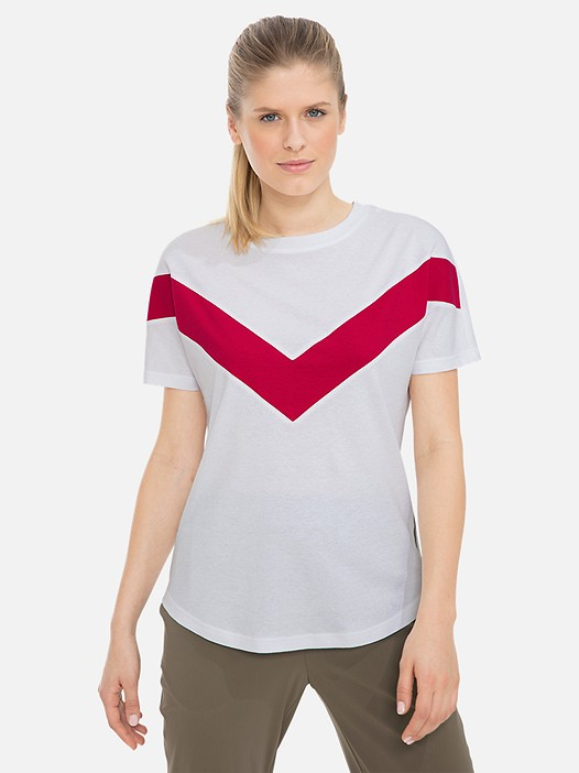 JUBAT V1.Y3.01 Colour-Block T-Shirt with Taurex® Technology white Model shot Alpha Tauri