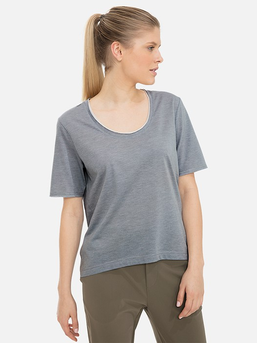 JUTEN V1.Y3.01 Lightweight T-Shirt with Taurex® Technology grey / melange Model shot Alpha Tauri