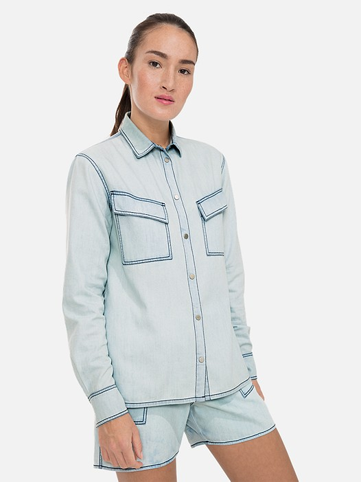 WENIM V1.Y3.01 Denim-Look Blouse light blue Model shot Alpha Tauri