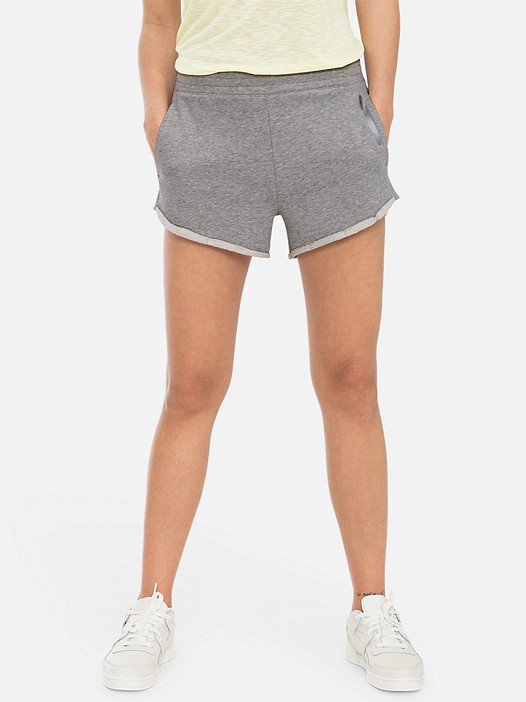 PALL V3.Y3.01 Sweatshorts with Taurex® Technology grey / melange Model shot Alpha Tauri
