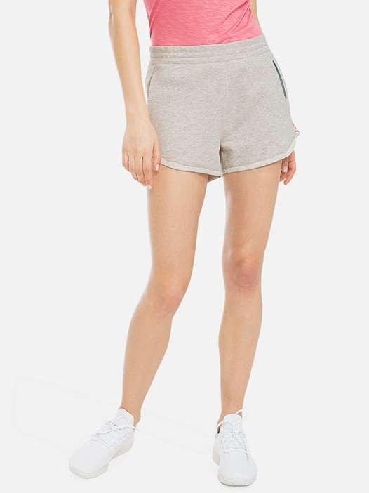 PALL V3.Y3.01 Sweatshorts with Taurex® Technology beige - sand Model shot Alpha Tauri