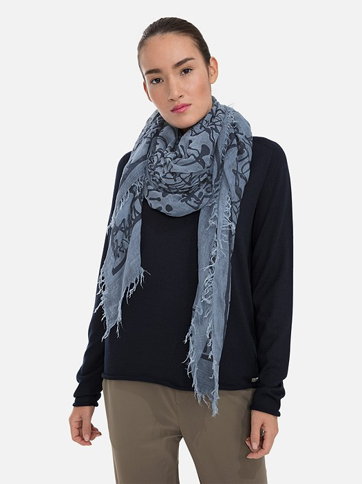 ANZA V3.Y3.01 All-Over Logo Print Scarf blue Model shot Alpha Tauri