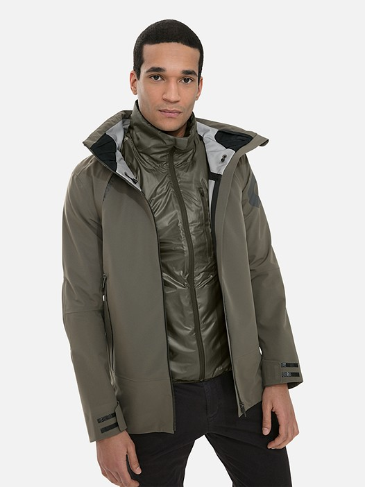 OSOOV V1.Y3.02 Technical 3-Layer Jacket with Taurex® olive Model shot Alpha Tauri