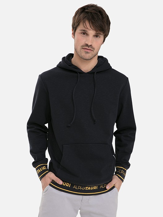 SEROK V1.Y3.02 Logo Kapuzensweater mit Taurex® navy Model Foto Alpha Tauri