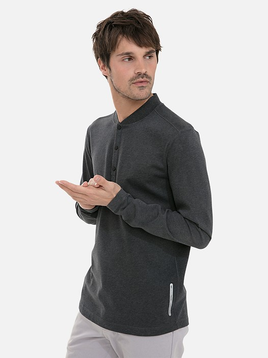 JIHO V4.Y3.02 Long-Sleeved Henley Shirt with Taurex® dark grey / anthracite Model shot Alpha Tauri