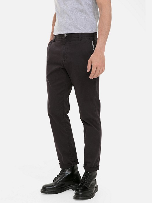 PARO V4.Y3.02 Classic Chinos with Stretch dark grey / anthracite Model shot Alpha Tauri