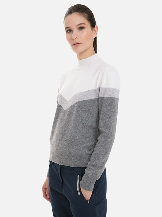 FIRIK V2.Y3.02 3D Knit Cashmere-Blend Colour-Block Sweater grey / other Model shot Alpha Tauri